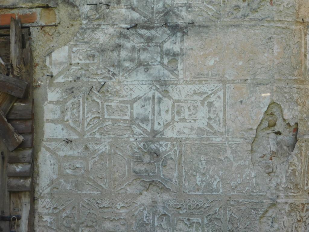 Sgraffito na ścianie dworu w Radochowie
